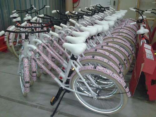 Vogue girl fietsen